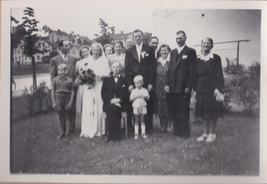 Rune och Anna-Lisas bröllop med föräldrar och syskon