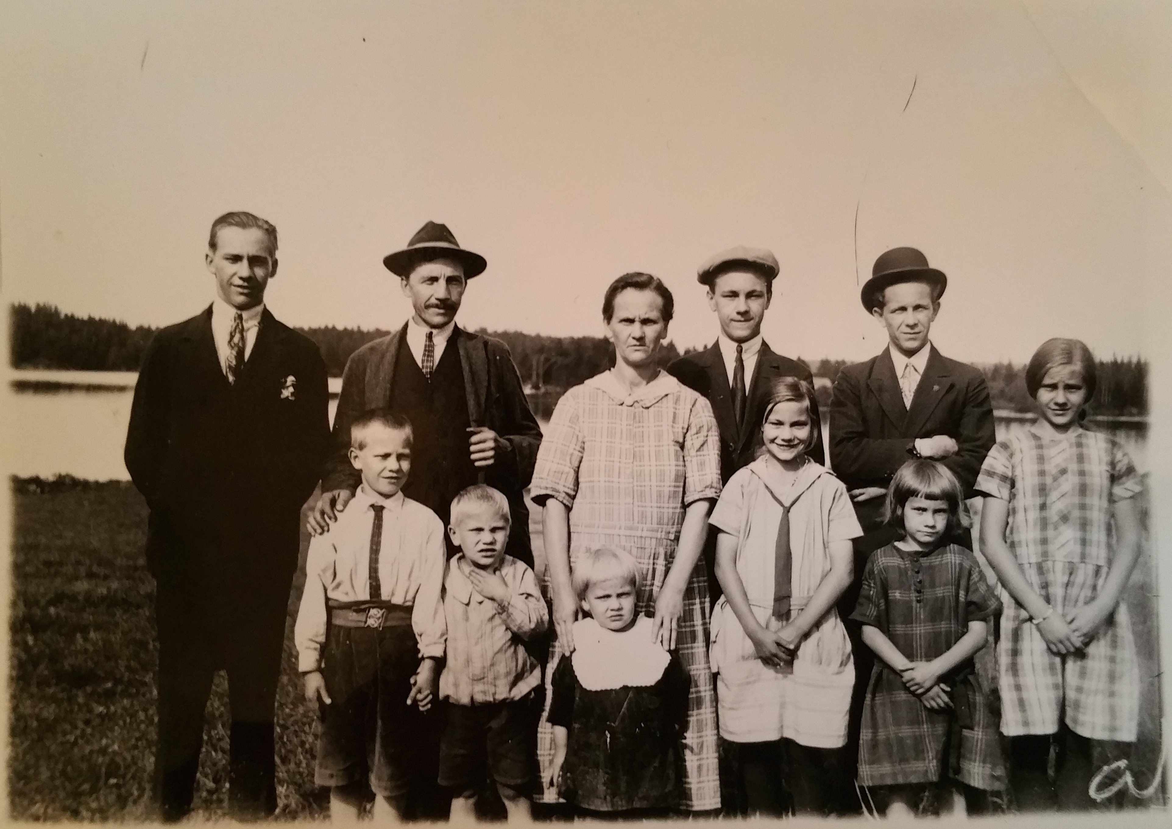 Familjen Johansson Skällesnäs 1925