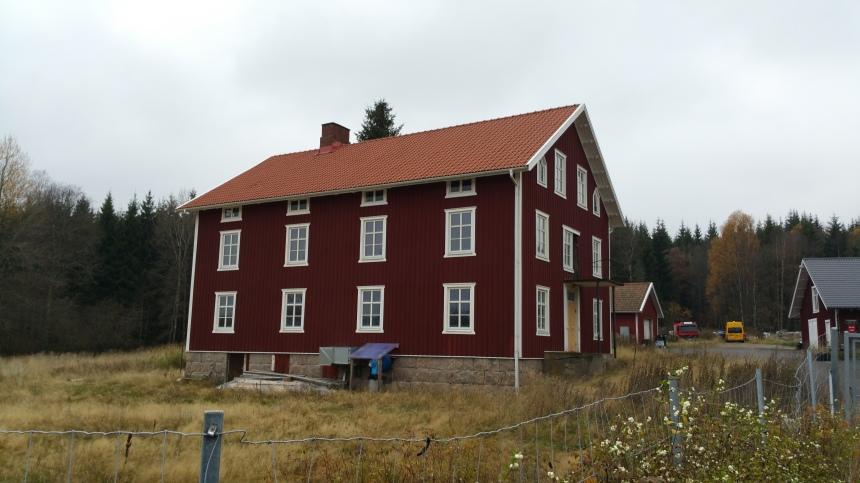 Kinnarummas ålderdomshem - Stenatorp. Är idag nyrenoverat och ligger precis vid Varbergsvägen.